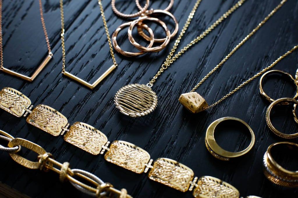 Hasil gambar untuk Jewelry